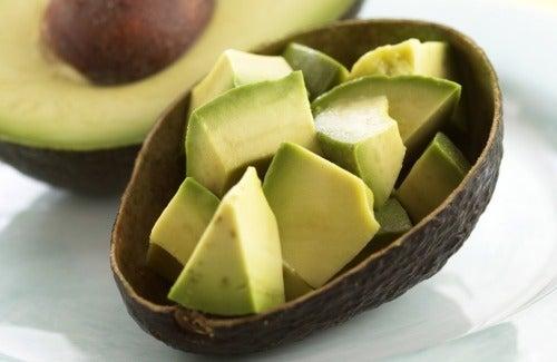Yli 10 syytä syödä enemmän avokadoa