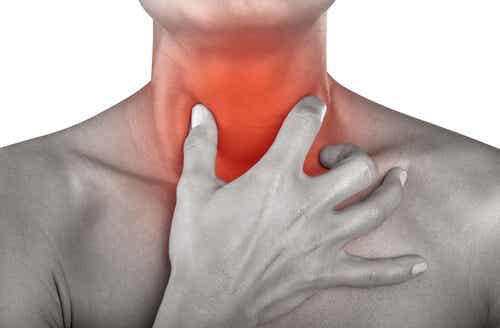 12 luonnollista keinoa kurkkukivun hoitoon