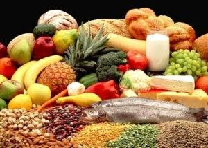 hedelmiä ja muita tuotteita