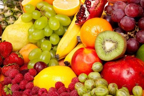 värikäs hedelmäkorillinen
