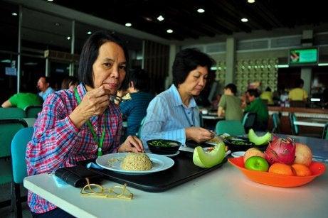 refluksi helpottuu oikein syömällä