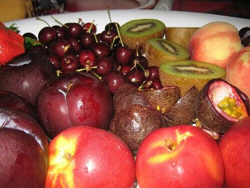 Punaiset vähäkalorisimmat hedelmät