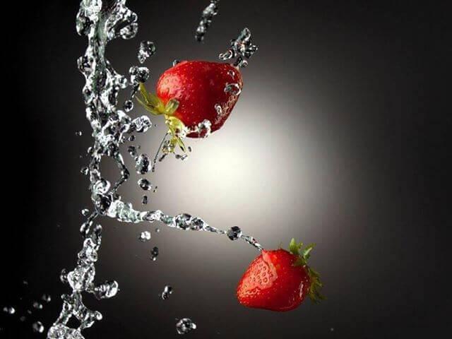 mansikka ja vesi