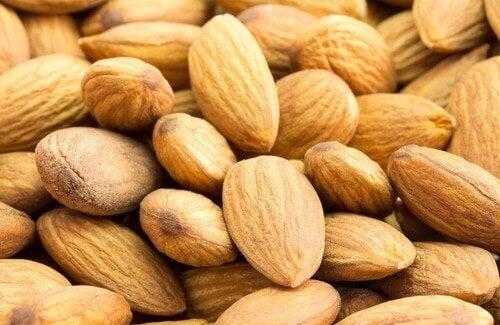 Manteleiden kolesterolia alentavat ominaisuudet