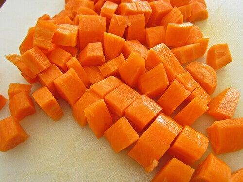 koita luonnollista nesteenpoistajaa porkkanaa