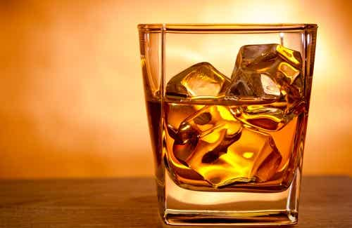 Alkoholin liikakäyttö - mitä aivoille voi tapahtua?