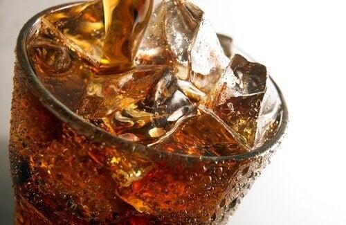 hiilihapolliset-juomat