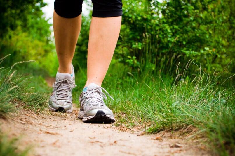 kävely avuksi stressinlievitykseen