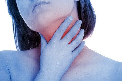 oliiviöljyllä eroon kurkkukivusta