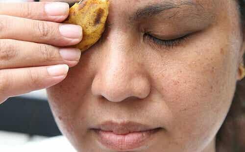 Kätevät niksit banaaninkuoren hyödyntämiseen