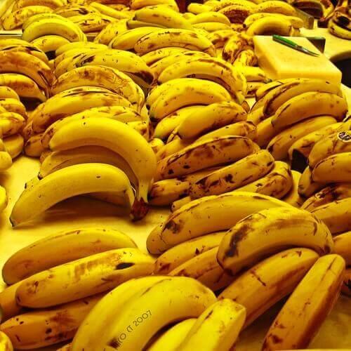 banaani halkeilevat kantapäät kuntoon