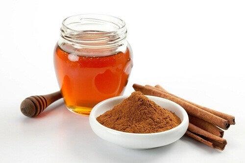 7 syytä syödä hunajaa ja kanelia