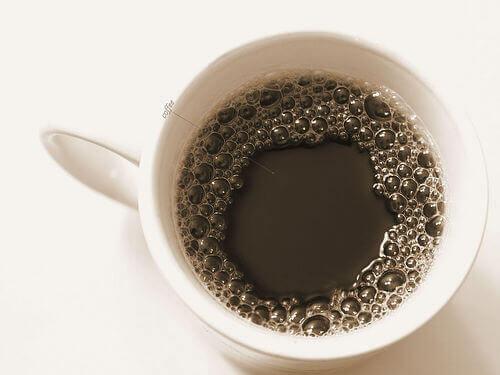 liikaa nautittuna kahvi voi vahingoittaa luuston terveyttä