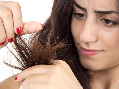 9 kosteuttavaa hiusnaamiota kuiville kutreille