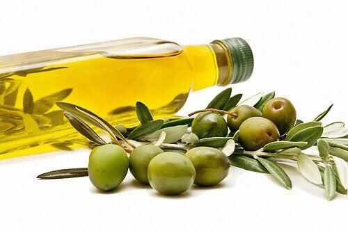 oliiviöljyä ummetuksen välttämiseksi