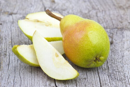 päärynä lohkoina