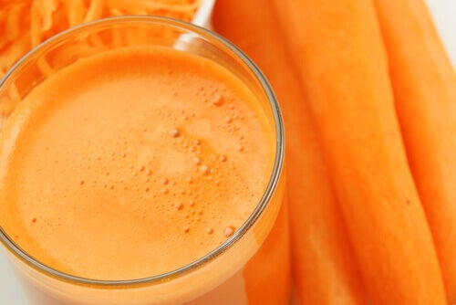 porkkanamehu taistelussa syöpää vastaan