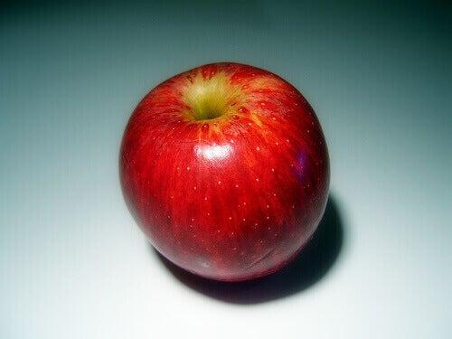 Omena auttaa verisuonten puhdistuksessa.