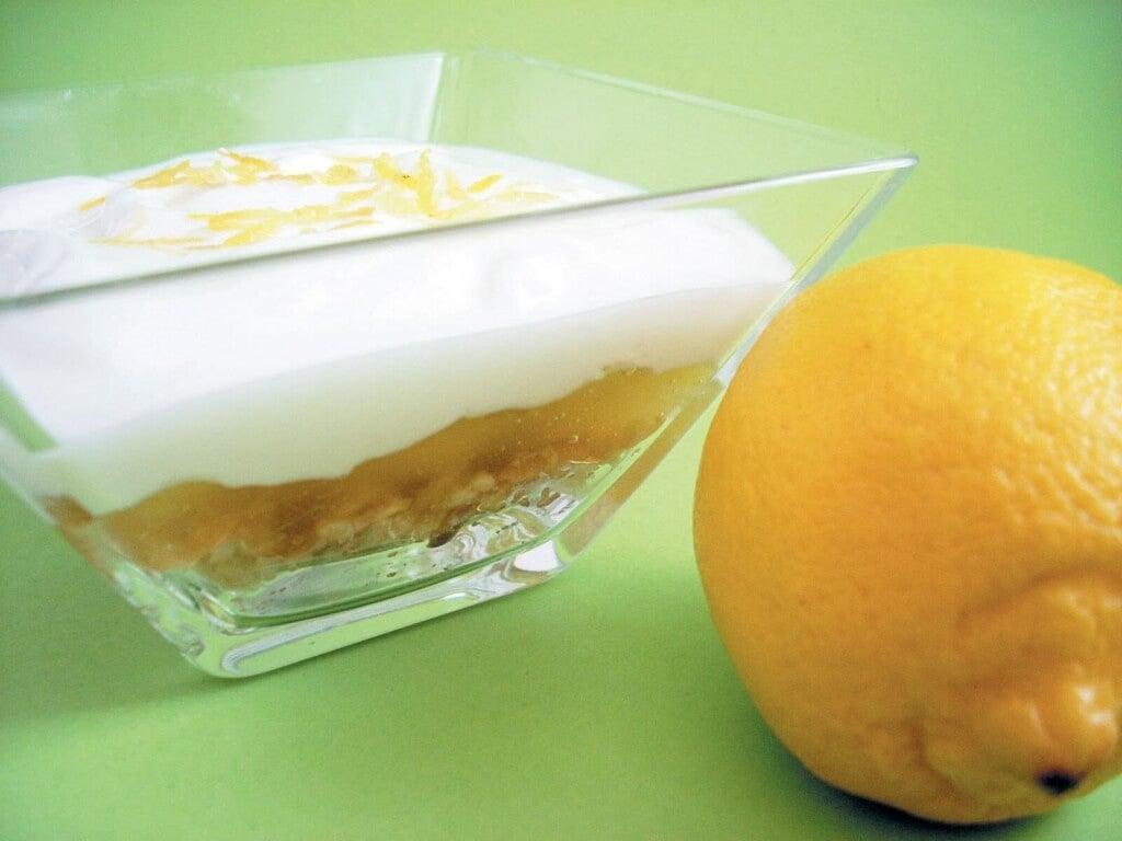 Sitruuna sisältää runsaasti C- vitamiinia.