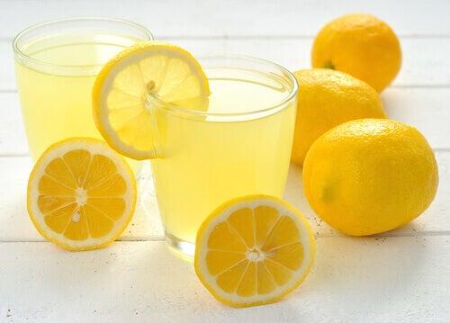 Sitruunajuoma