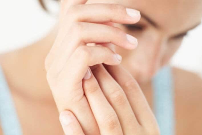 Voit yrittää ehkäistä maksaläiskien syntymistä elämäntapavalinnoilla.