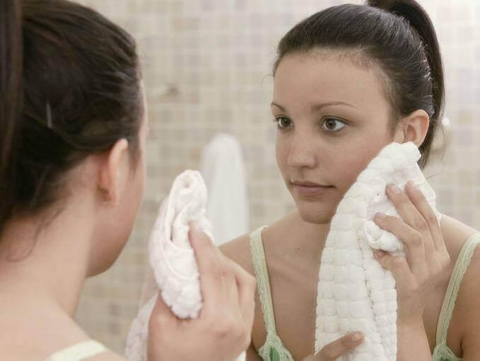 Puhdista kasvot huolellisesti ennen mitään hoitoja