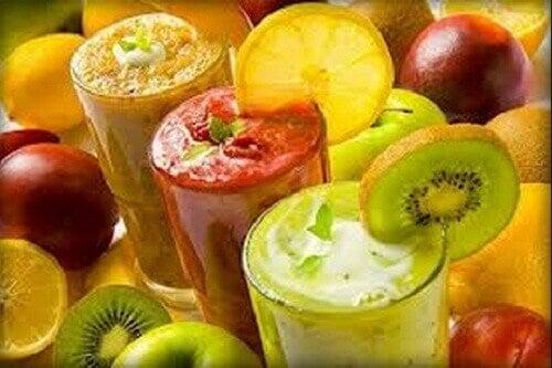 Pudota painoa viettämällä smoothiepäivä kerran viikossa