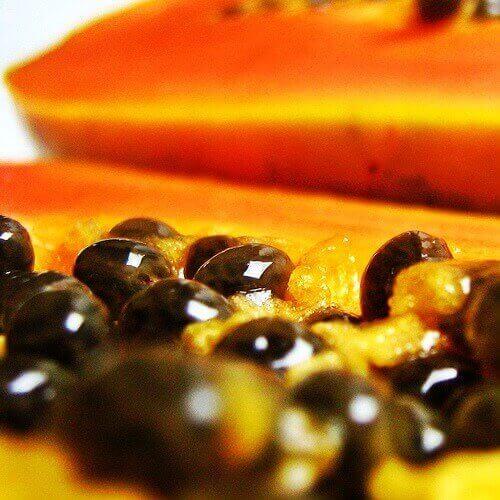 Myös papaijansiemenet ovat hyviä terveyden kannalta.