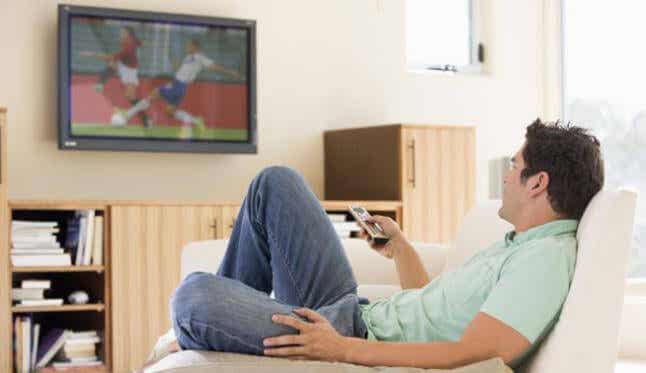 Television katsomisen haitat syödessä