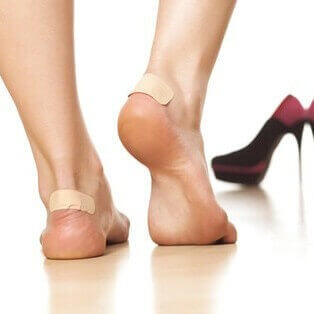 laastarit jaloissa