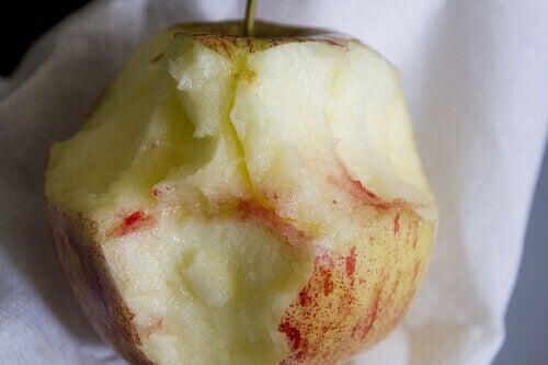 omena ientulehduksen hoitoon