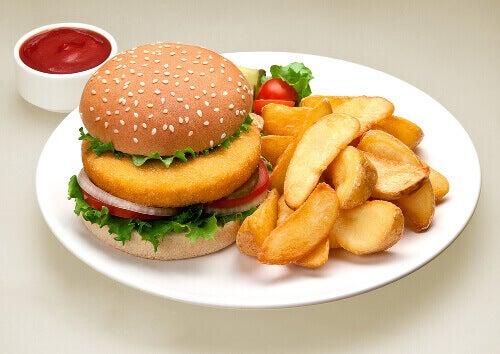 Huono ruokavalio voi altisaa kohdunkaulan syövälle.