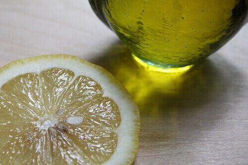 sitruuna ja öljy avuksi liikahikoiluun