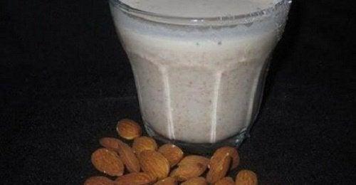 Almond-milk-properties