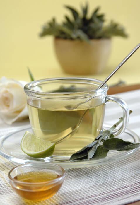 valkoista teetä