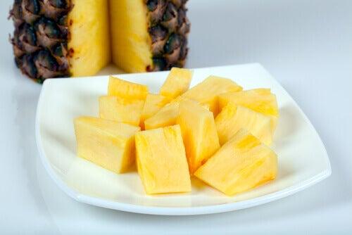 Ananas poistaa nestettä ja auttaa hoitamaan munuaisia