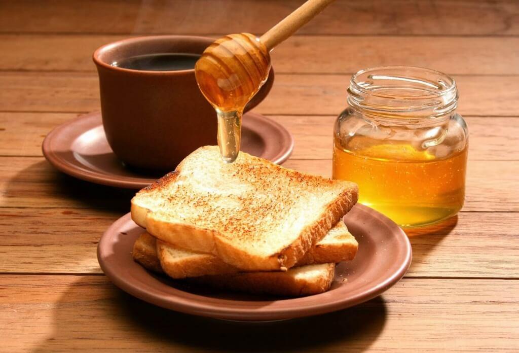 eroon haljenneista kantapäistä hunajan avulla