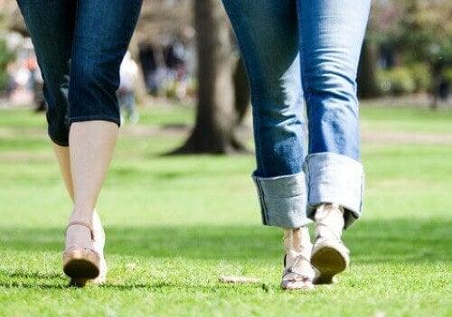 kävely auttaa iskiaskipuun