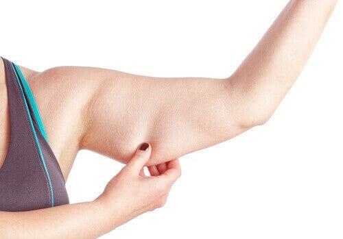 Veltostuneille käsivarsille on mahdollista tehdä jotain: liikunnan ja terveellisen ruokavalion kanssa pääsee jo pitkälle.