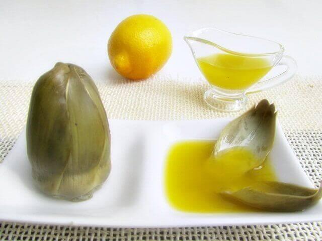 vatsahaavan oireet ja hoito: artisokka, sitruuna ja oliiviöljy