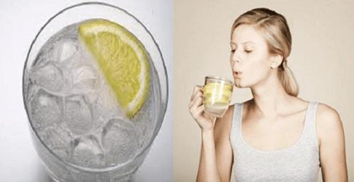 6 syytä juoda lämmintä vettä tyhjään vatsaan