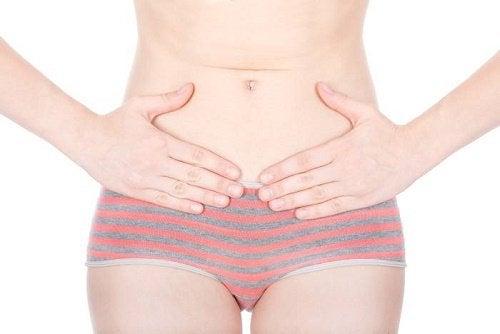 munasarjasyövän merkki: vatsakipu
