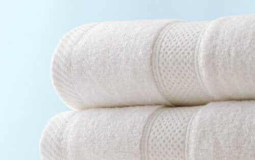 Pidä pyyhkeet hajuttomina ja imukykyisinä