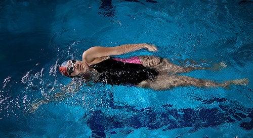 uinti on hoitokeino turvonneille jaloille