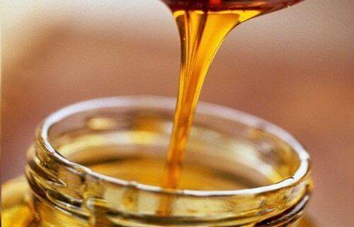 estä ikääntymisen merkit hunajalla