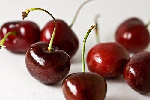 kirsikat nivelten hoitoon