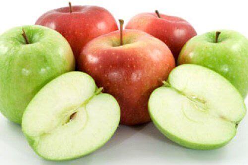 Punaiset ja vihreät omenat