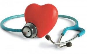 Stetoskooppi ja sydän