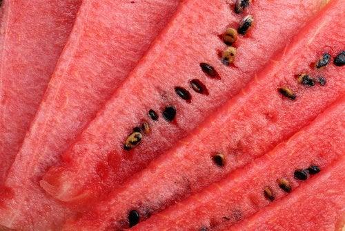 Vesimeloni ja sen siemenet verenpaineen laskemiseksi