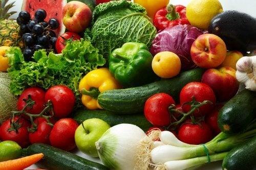 Vihannekset ja hedelmät raakaravinto